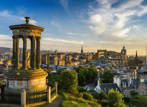 Edinburgh Schloss CaltonHill iStock151656798 web
