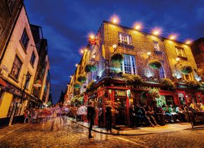 Dublin Temple Bar Irish Pub iStock915681704 web